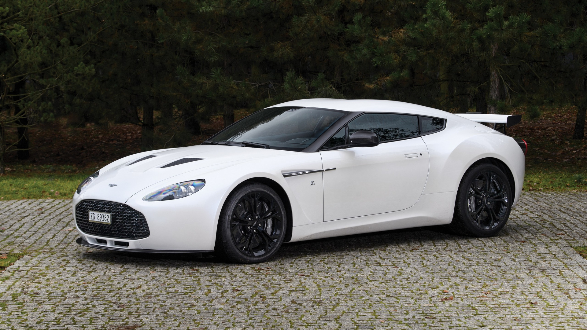 Aston Martin V12 Zagato And Db7 Zagato For Sale