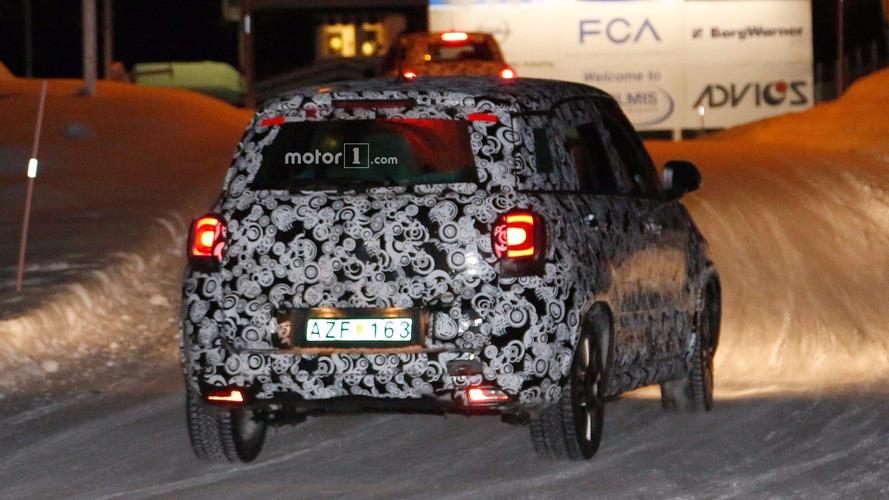 Fiat 500L Facelift Spy Photos