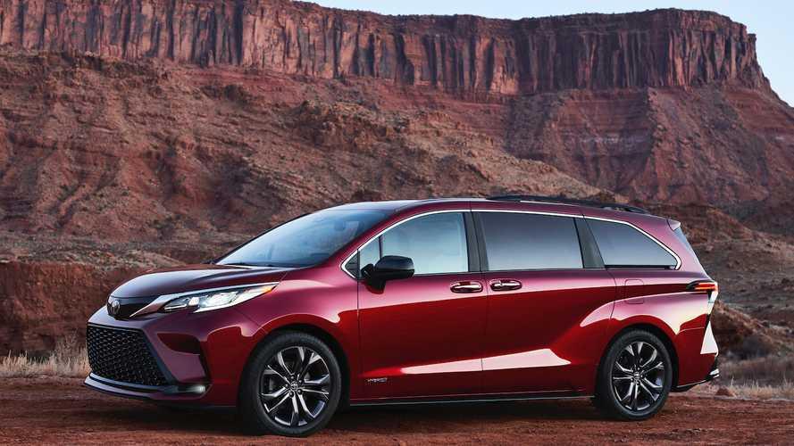 2020 Toyota Sienna hibrit motoru ve yeni tasarımı ile geldi