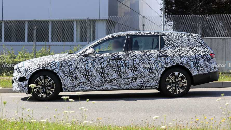 2021 Mercedes C-Class Estate Makes Spy Photo Debut