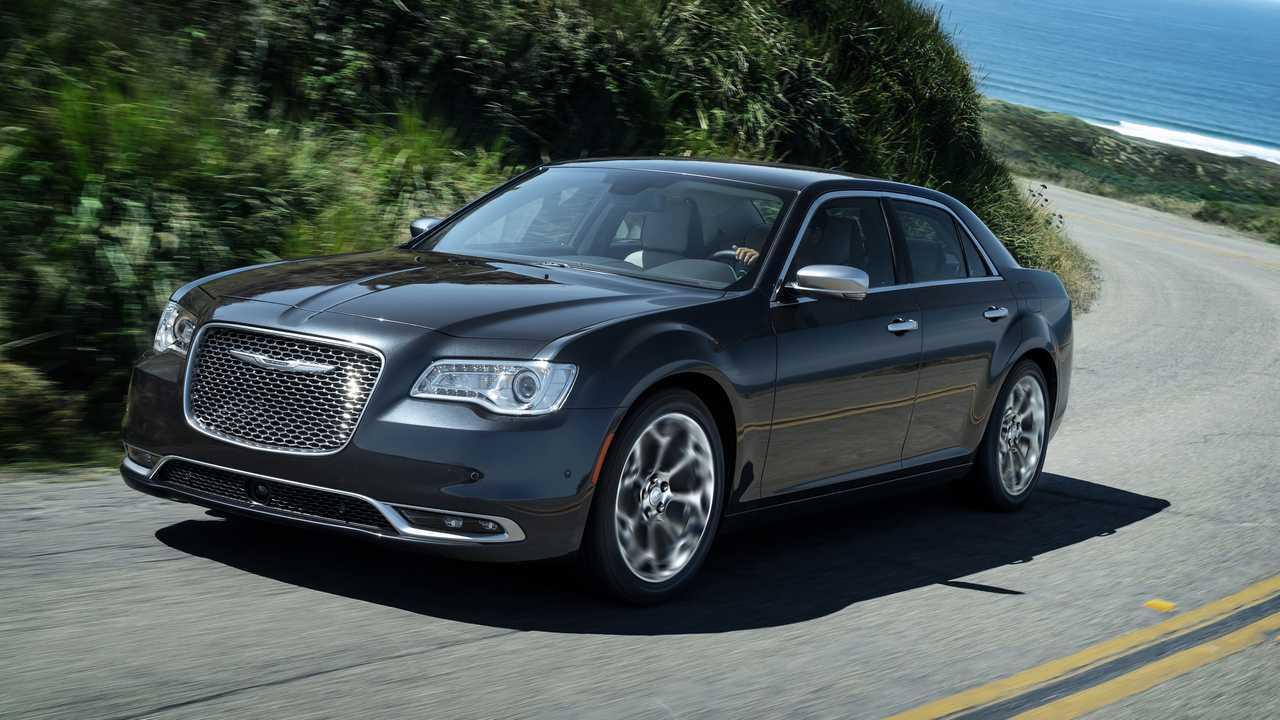 2022 Chrysler 300 going in production in December