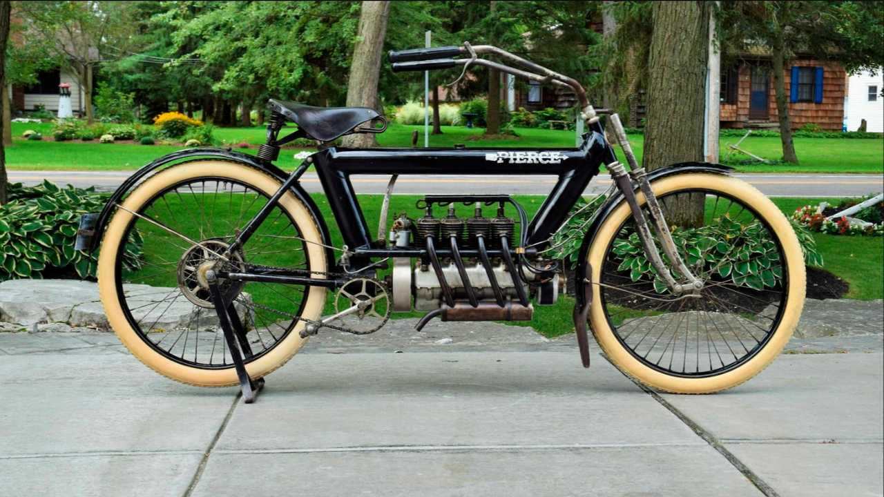 1911 Pierce Arrow Four
