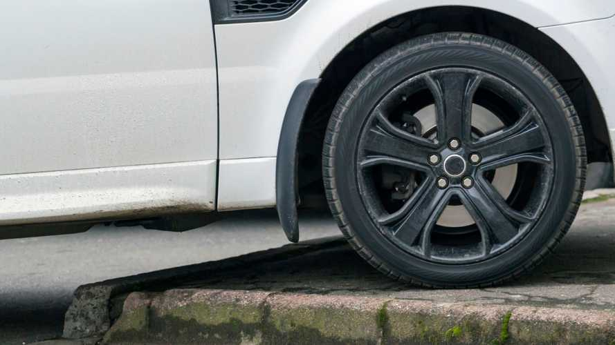 Inquiry into pavement parking as 'potential danger' launches