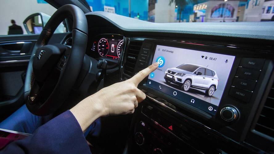 Seat, la mobilità del futuro passa per Shazam e Xmoba