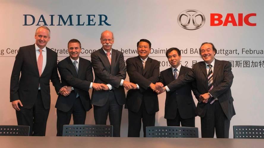 Chineses brigam por participação na Mercedes-Benz