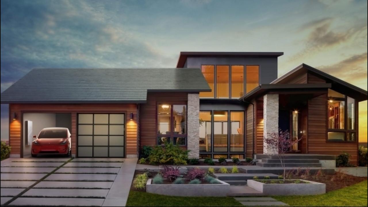[Copertina] - Tesla, il Solar Roof verrà prodotto quest'anno