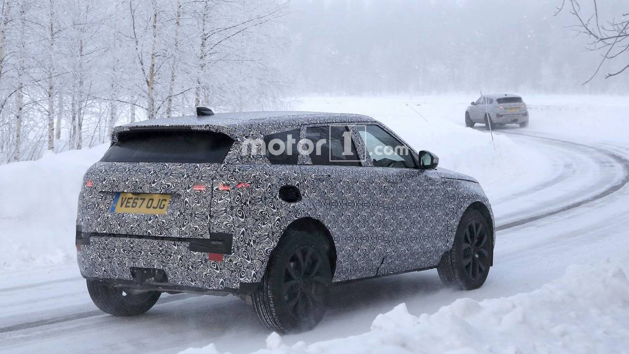 2019 Land Rover Range Rover Evoque spy photo