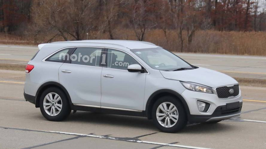 Kia Sorento Diesel Test Vehicle Spied In Broad Daylight