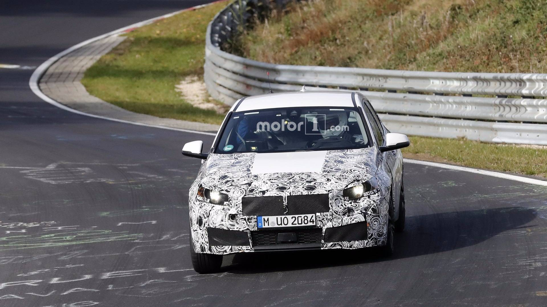 Next Generation Bmw 1 Series Spotted With Production Lights