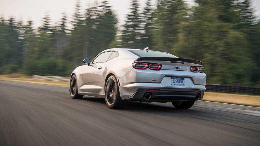 Chevrolet Camaro'ya iki yeni hibrit seçeneği eklenebilir