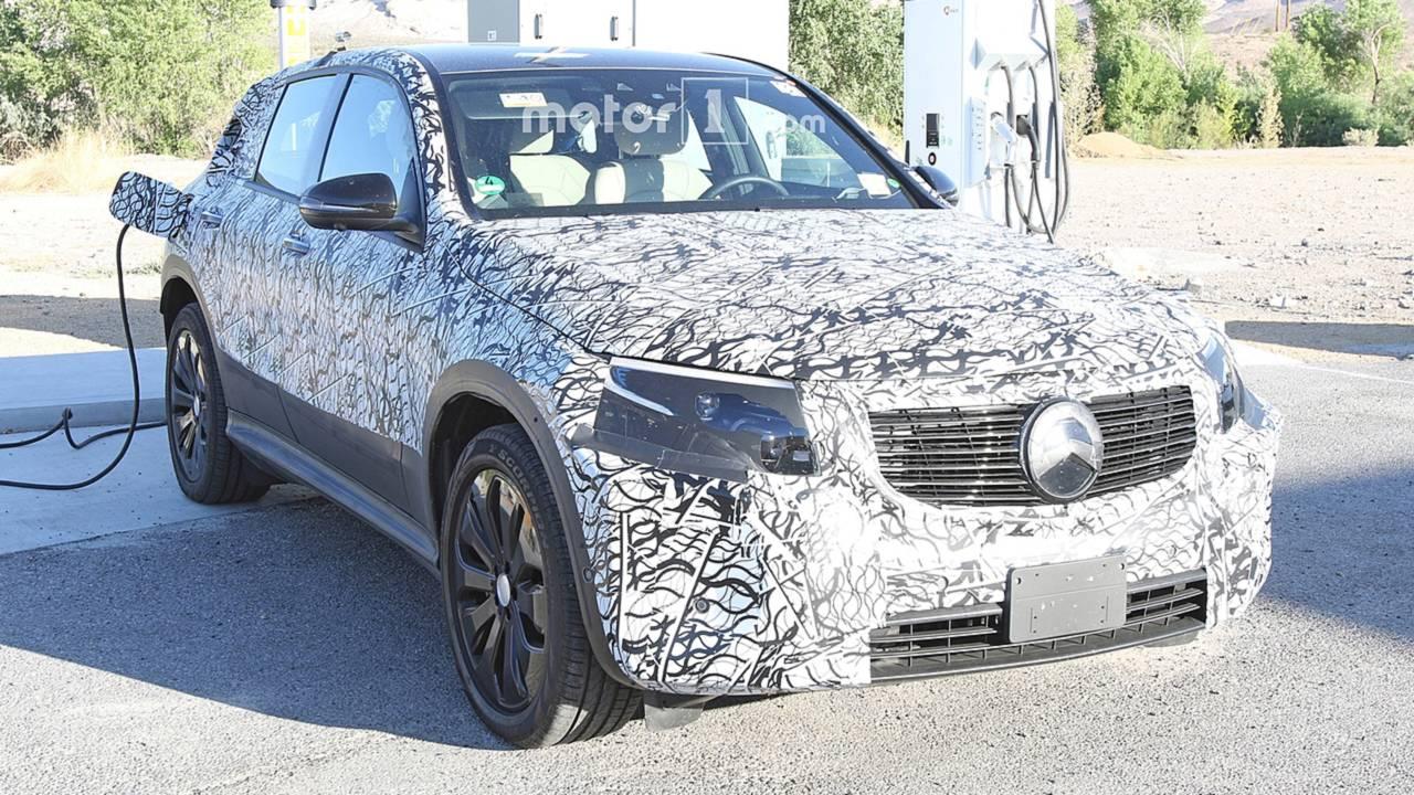 Mercedes-Benz EQC Casus Fotoğraflar