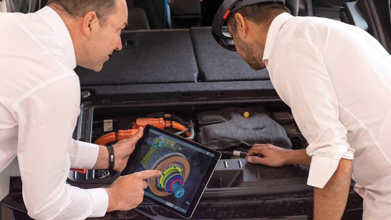 L'auto elettrica si può portare dal meccanico?