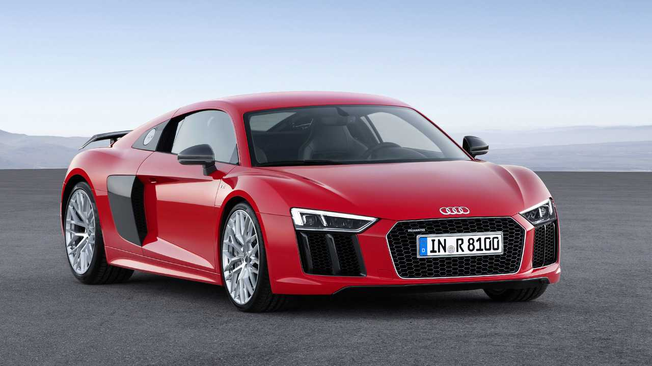 Audi R8 2015 vs. 2019 Side-by-Side