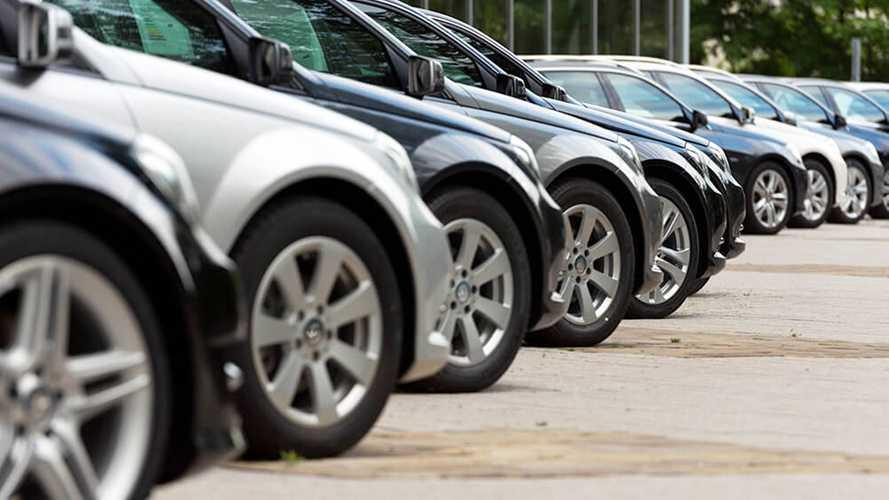 Noleggio auto, continua la crescita a doppia cifra