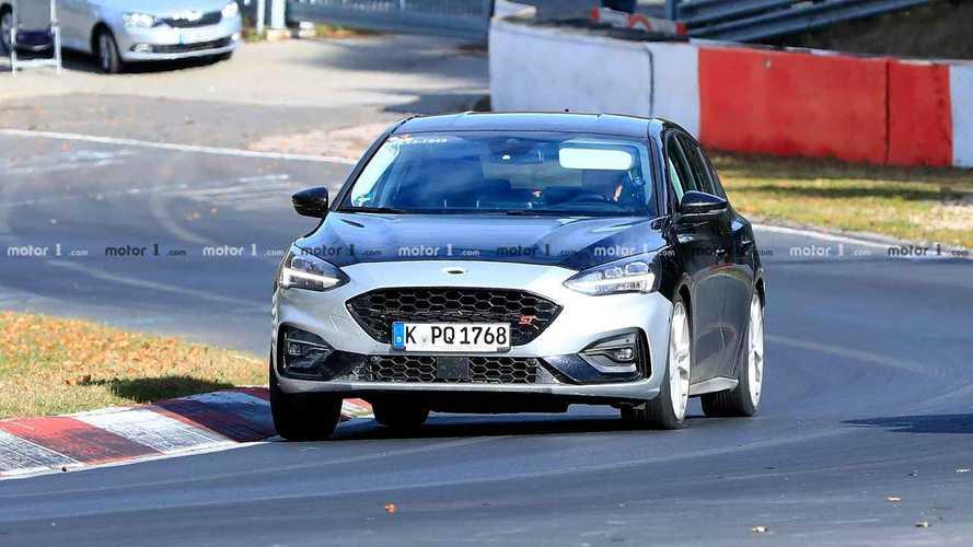Ford Focus ST'nin İç Mekan Casus Fotoğrafları