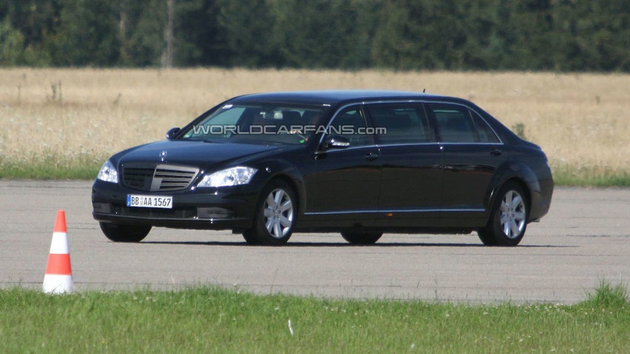Mercedes Benz S-Class Stretched Limousine Facelift Spied