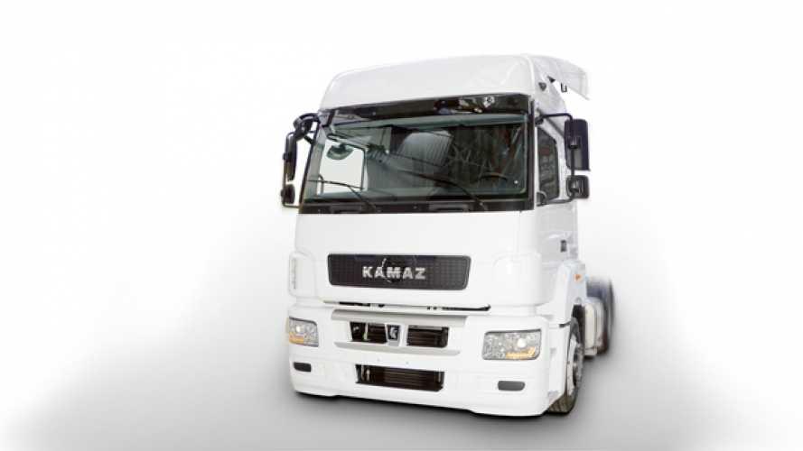 Mercedes e Kamaz il primo camion