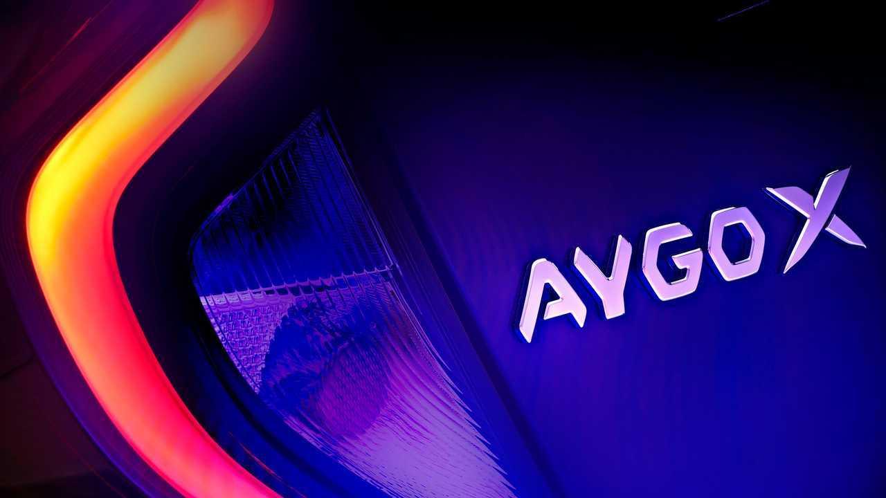 Ein erstes Teaserbild der Serienversion des Toyota Aygo X