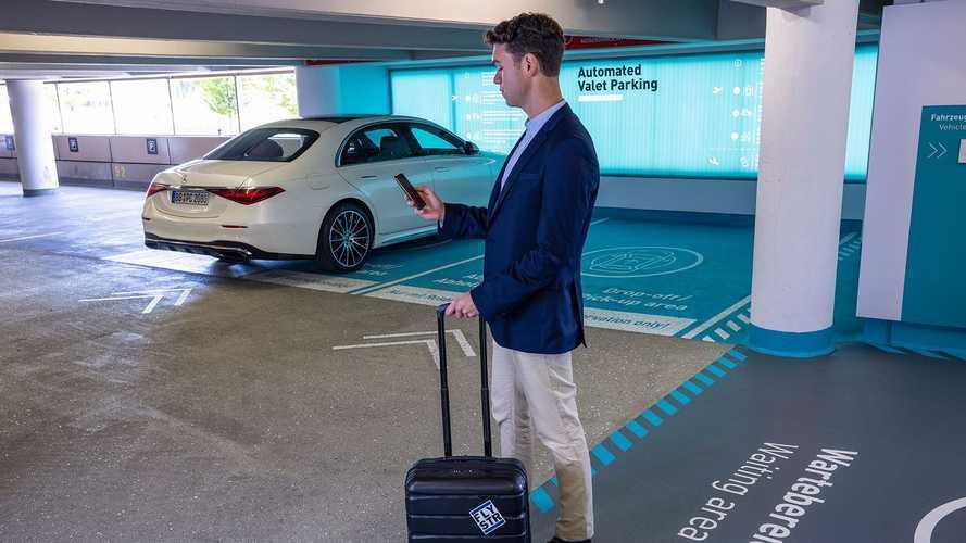 Abbiamo visto al Salone di Monaco le auto che parcheggiano da sole: il video