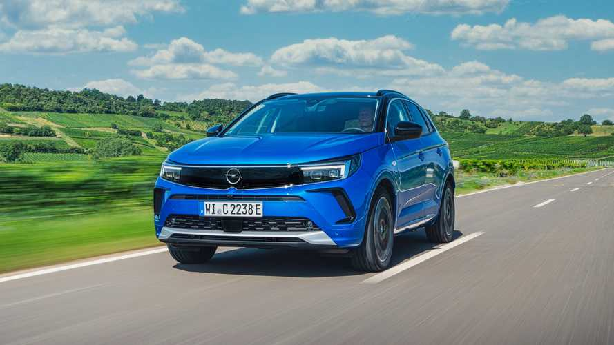 Opel Grandland Hybrid4 (2021) im Test