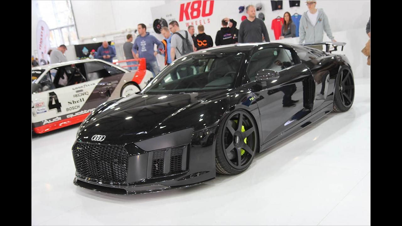 Sehr schwarzer Audi R8