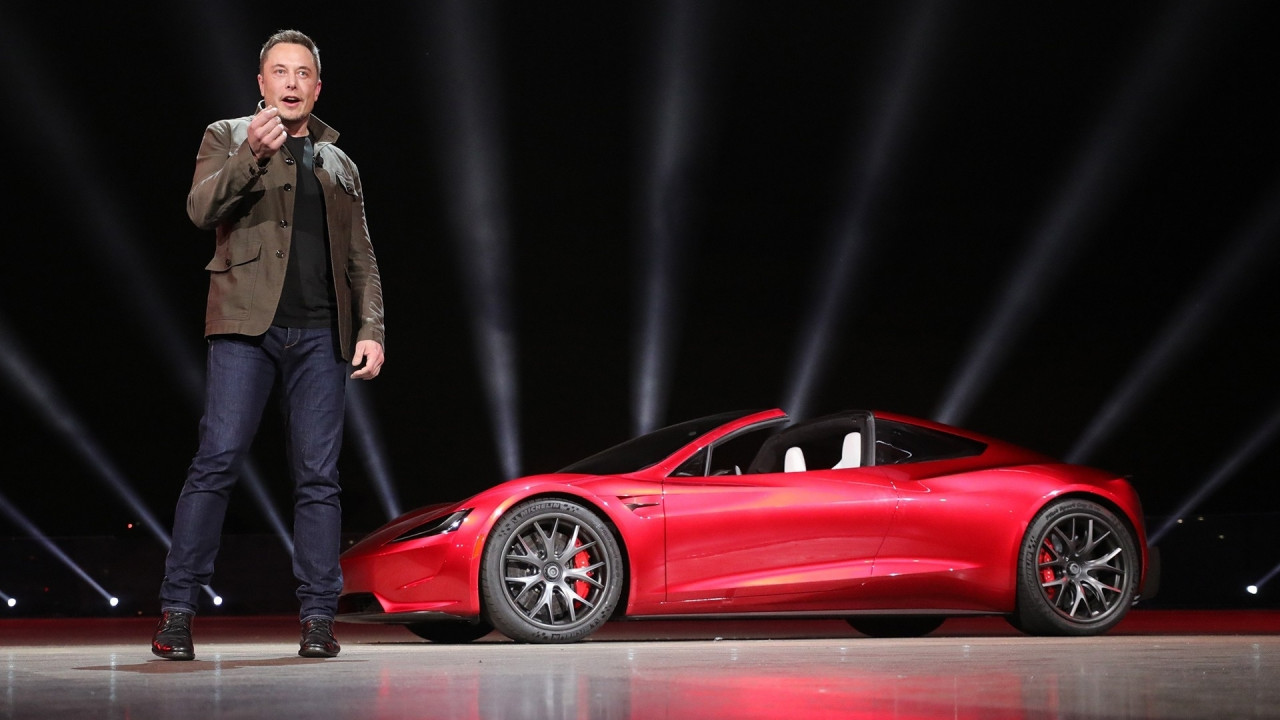 [Copertina] - Elon Musk pronto a mandare una Tesla nello spazio