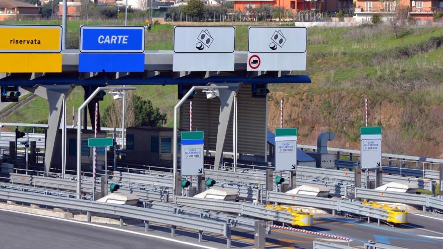 Autostrade, dal 1 agosto le moto pagano meno delle auto