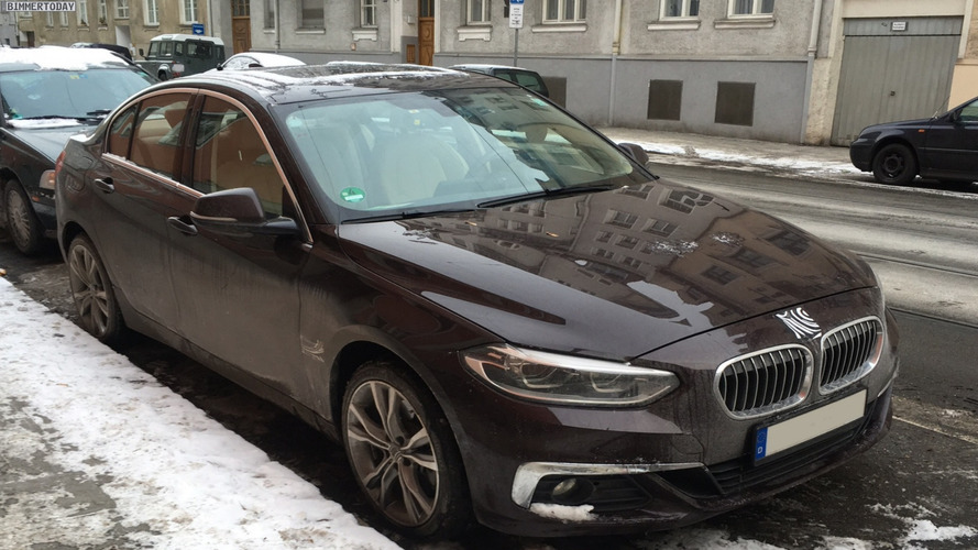 Flagra: BMW Série 1 Sedan já roda
