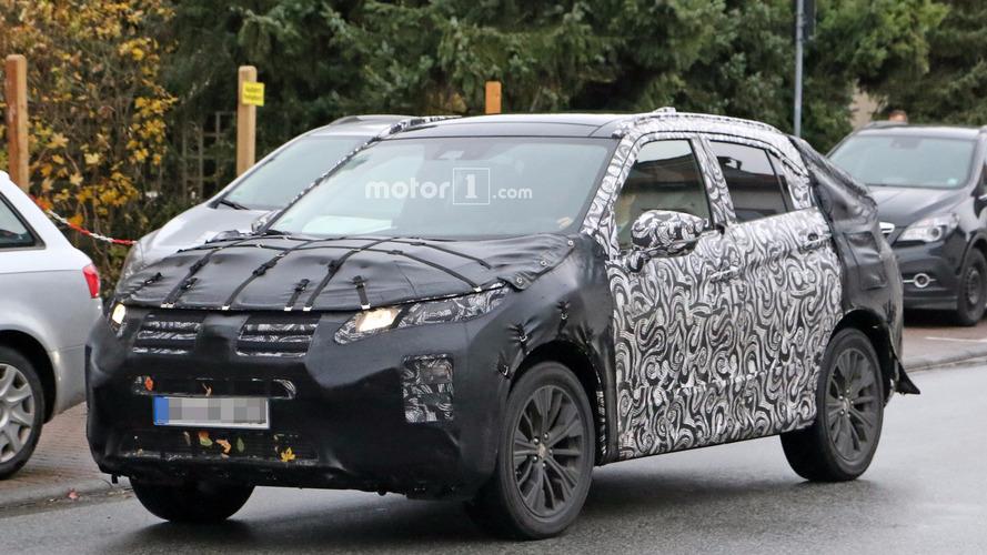 Flagra - Nova geração do Mitsubishi ASX terá design radical