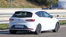 2017 SEAT Leon Cupra facelift spy photo