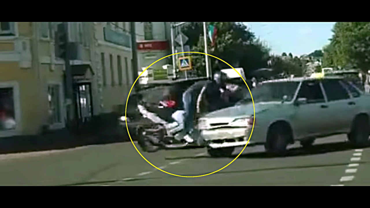 Bike Lada Samara crash Russia