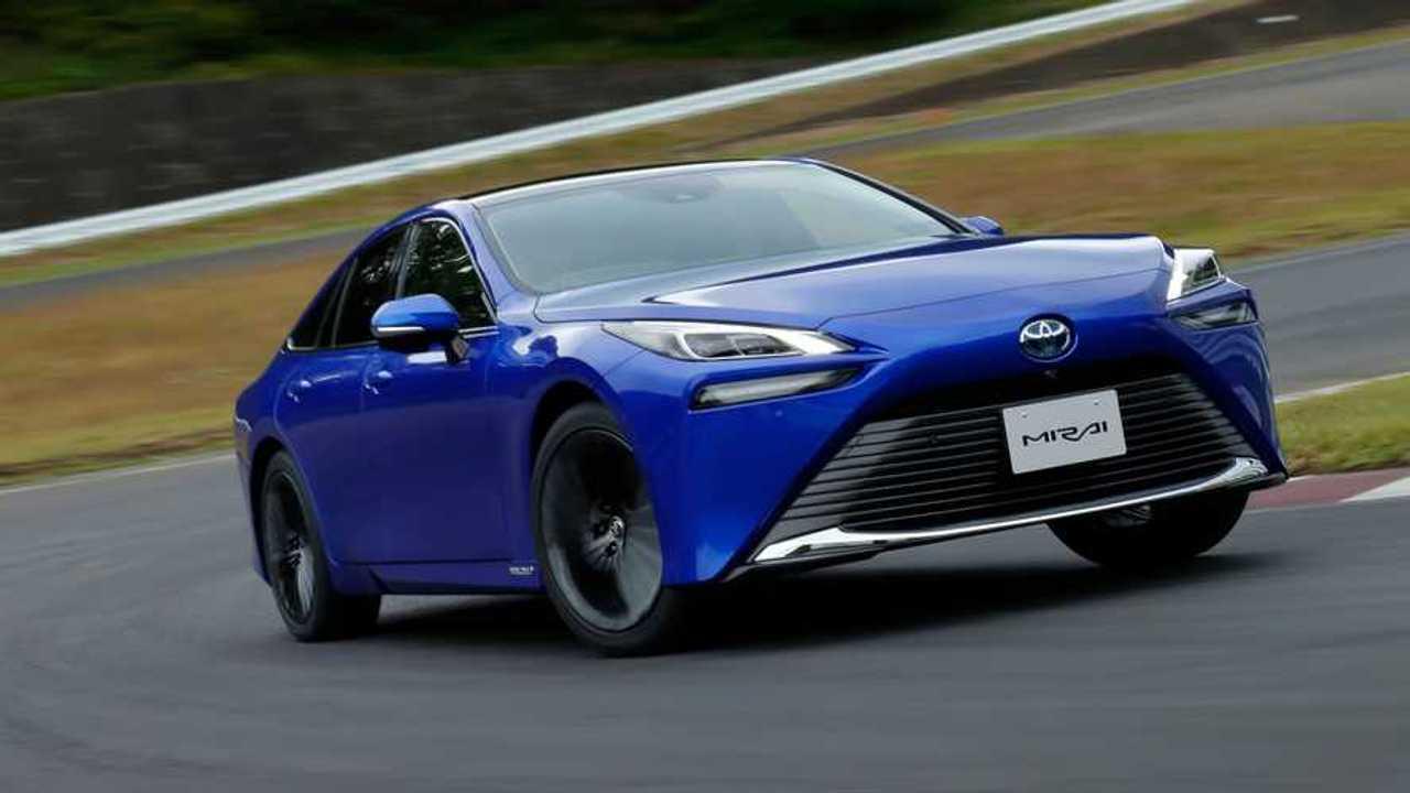 Toyota Mirai FCV - movimento