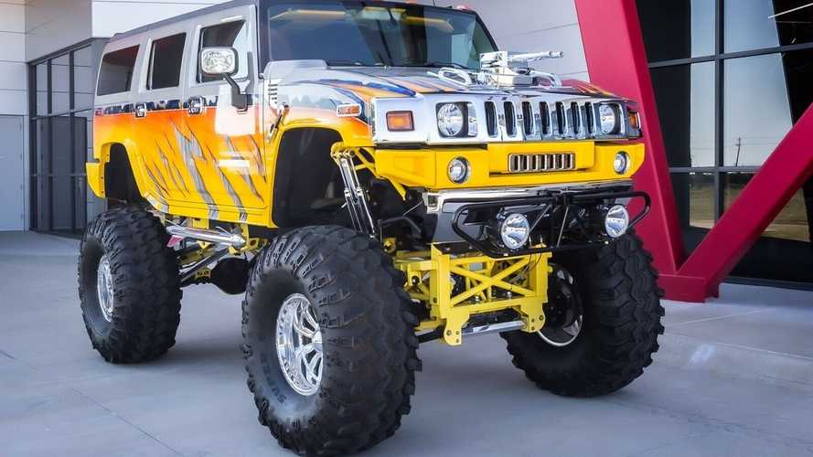 People Are Actually Bidding On This Bonkers Hummer H2 On eBay
