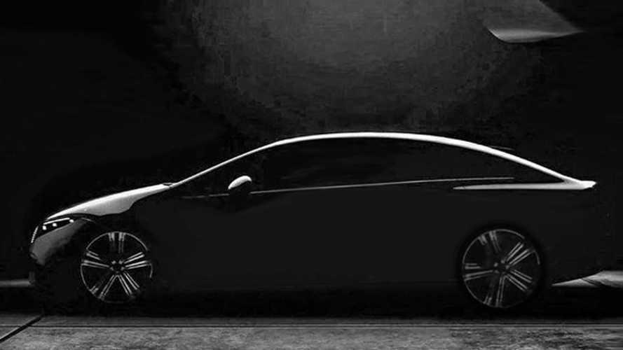 Mercedes EQS'in gölgeli ipucu görüntüsü, aracın profilini gösteriyor