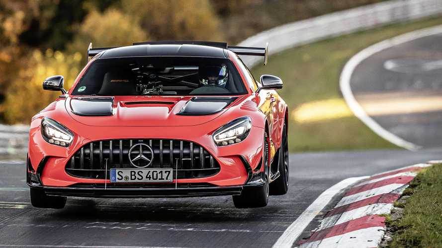"La Mercedes-AMG GT Black Series ""vola"" al Nurburgring: è record"