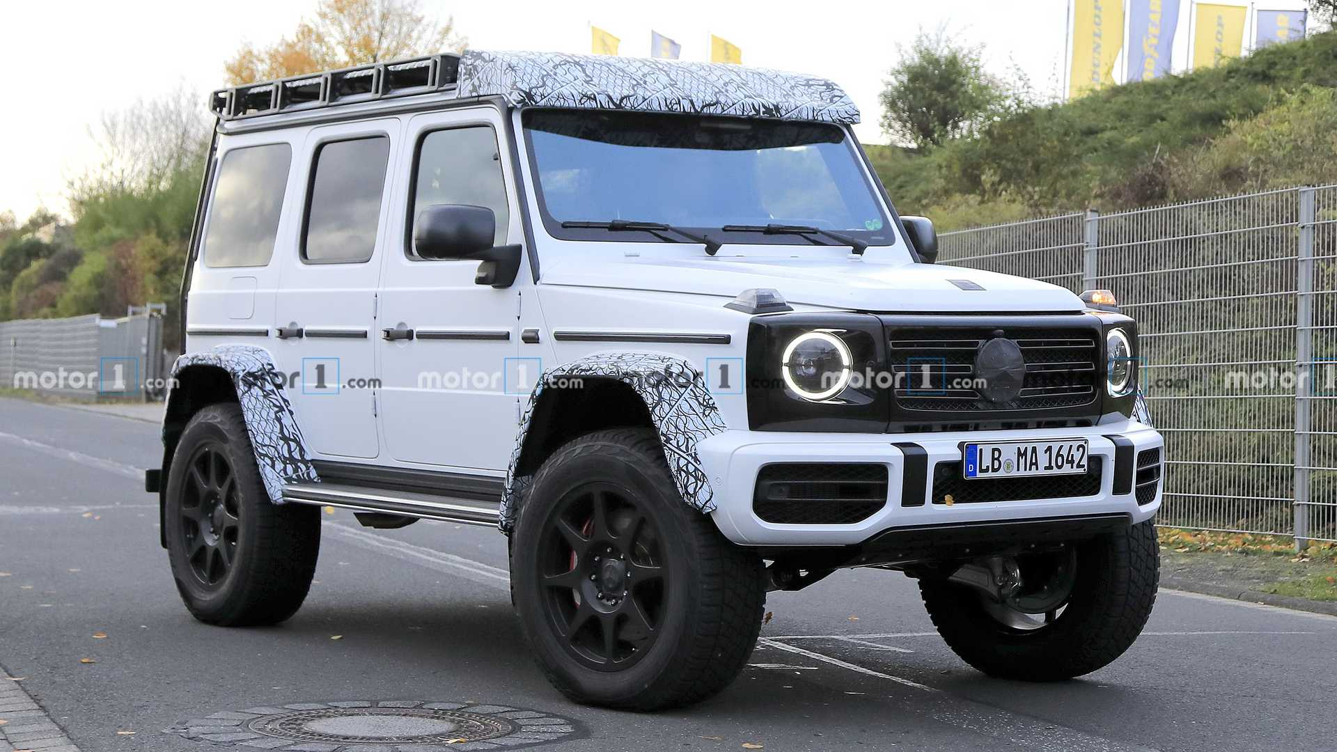 Mercedes G-Class 4x4 Squared Spied Riding Tall While Looking Brawny