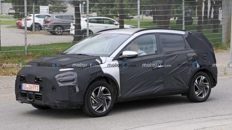 Hyundai Bayon (2021) zeigt sich auf ersten Erlkönigfotos
