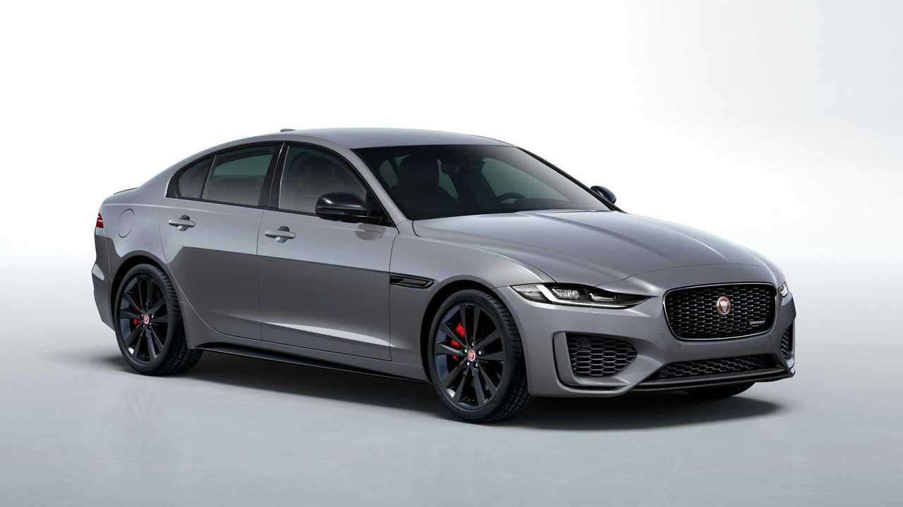 Jaguar XE (2020), вид спереди