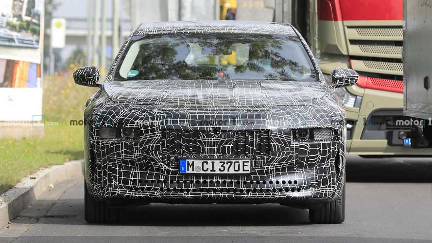 BMW i7 Spy Photos