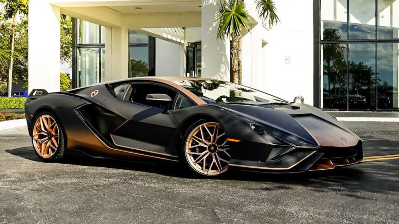 Lamborghini Sian FKP 37 Barna Szállítás Három negyedév