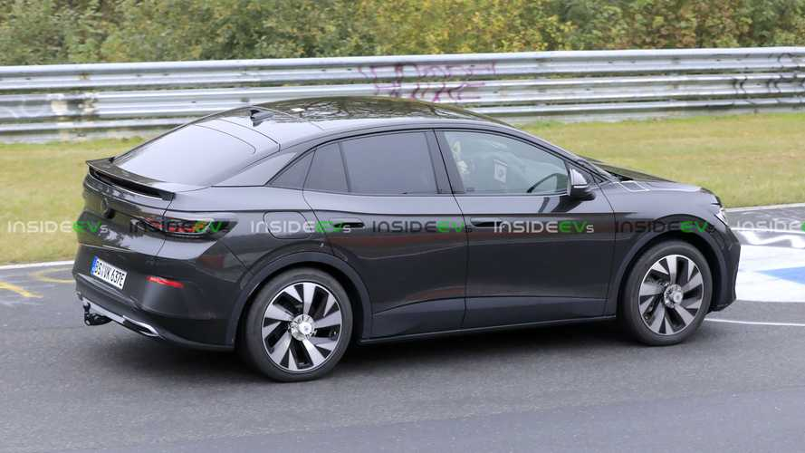 Volkswagen ID.5 / ID.4 Coupe Spotted Testing With Faux Kia Grille