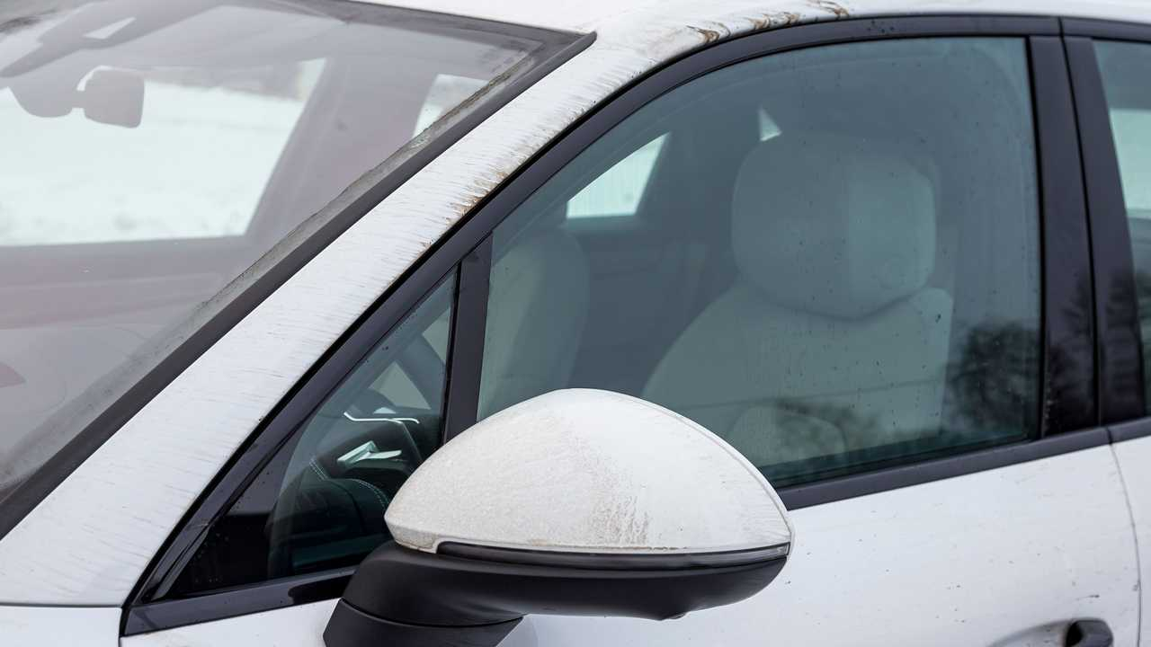 Чистое стекло водительской двери Porsche Cayenne E-Hybrid