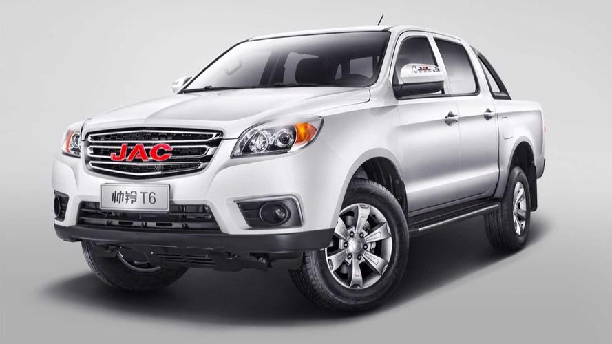 Дешевле «Тойоты», дороже УАЗа: объявлены российские цены на новый китайский пикап
