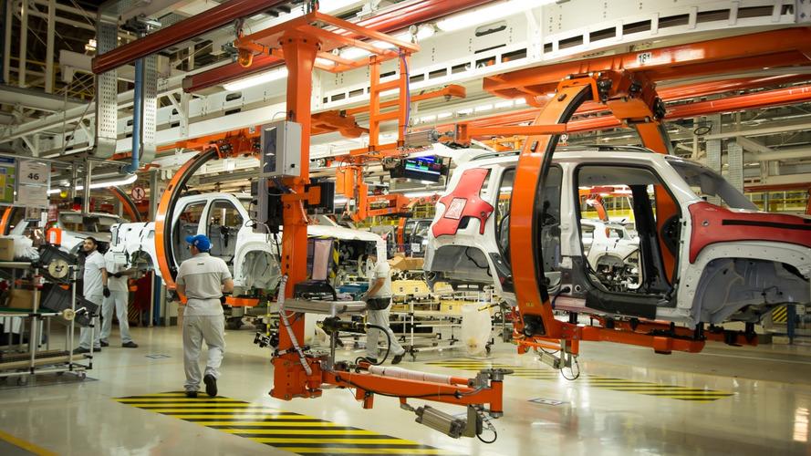 Fiat-Chrysler prepara retorno da produção global em maio