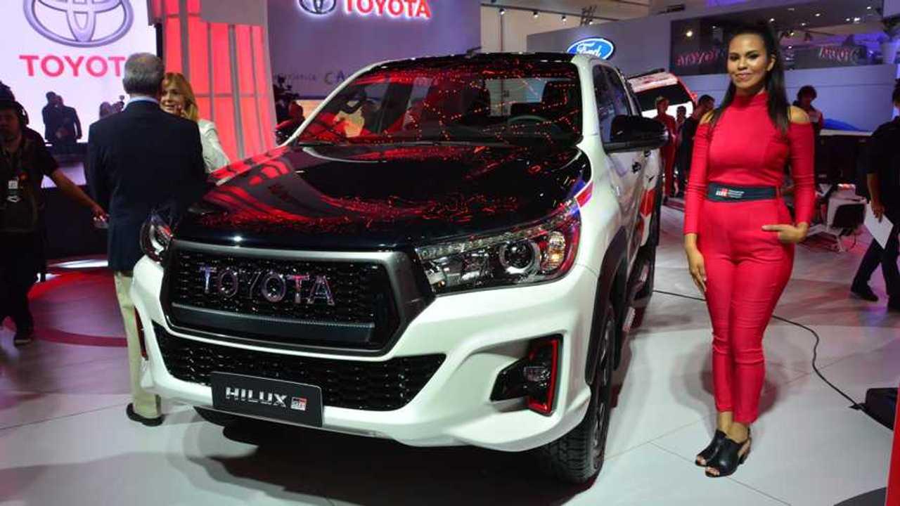 Toyota Hilux GR-S - Salão de SP 2018