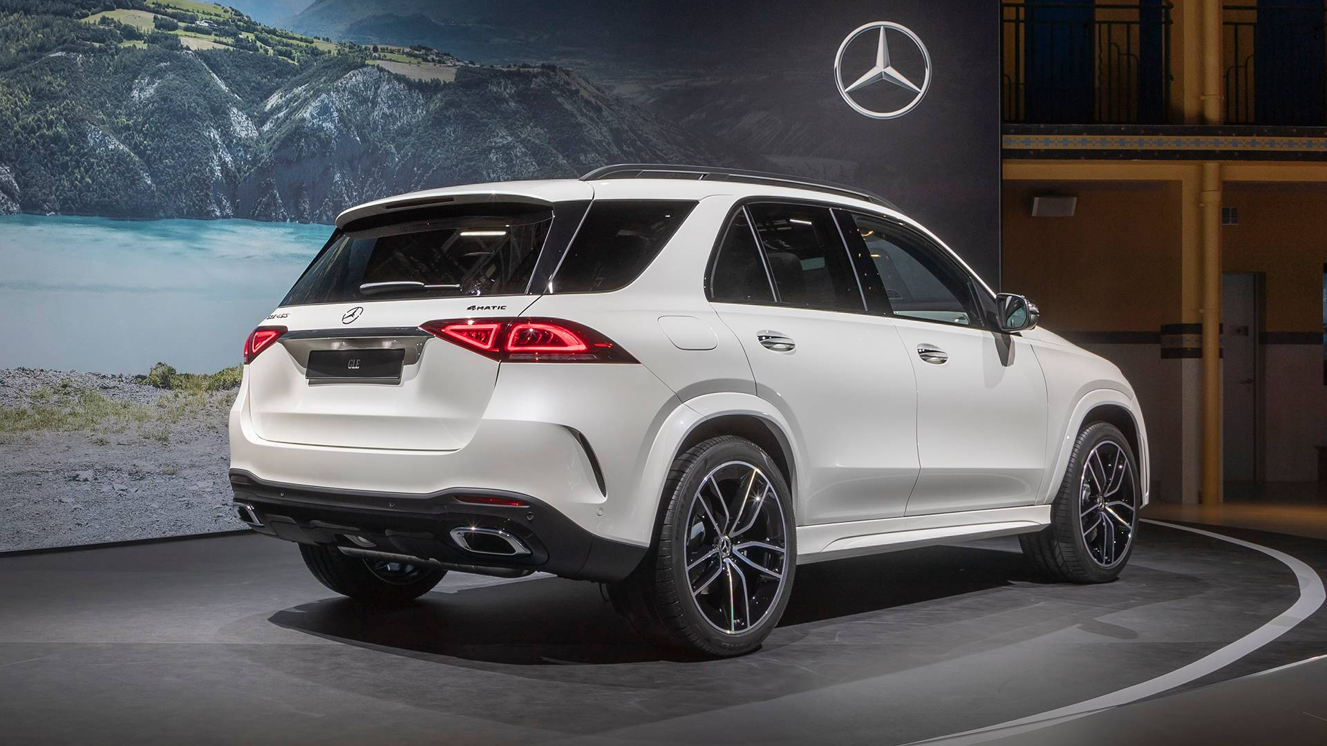 2020 Mercedes Gle Shows Off Its Luxurious Side In Paris Debut