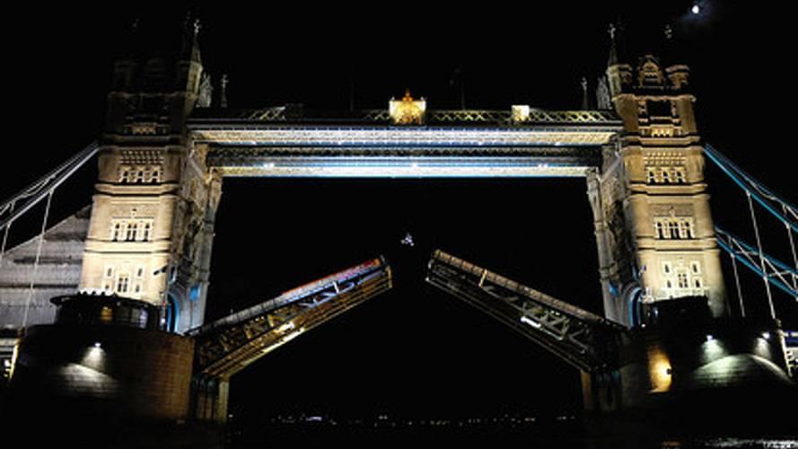 Robbie Maddison backflips Tower Bridge