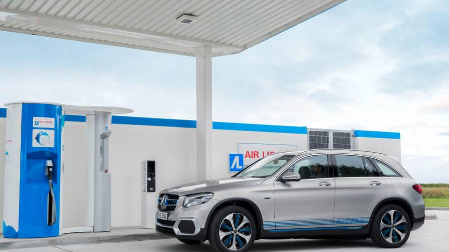 Mercedes-Benz GLC F-CELL Combines Hydrogen With Plug-In Capability