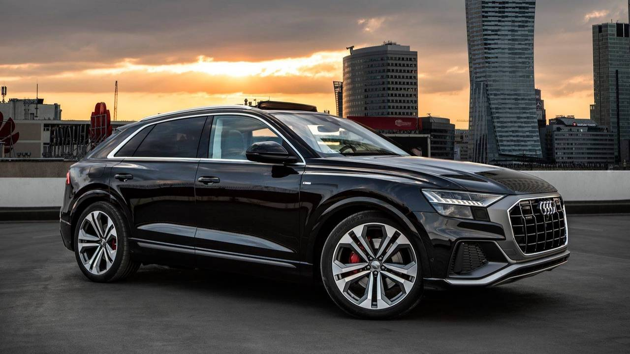 vid o cet audi q8 va d finitivement vous faire craquer. Black Bedroom Furniture Sets. Home Design Ideas