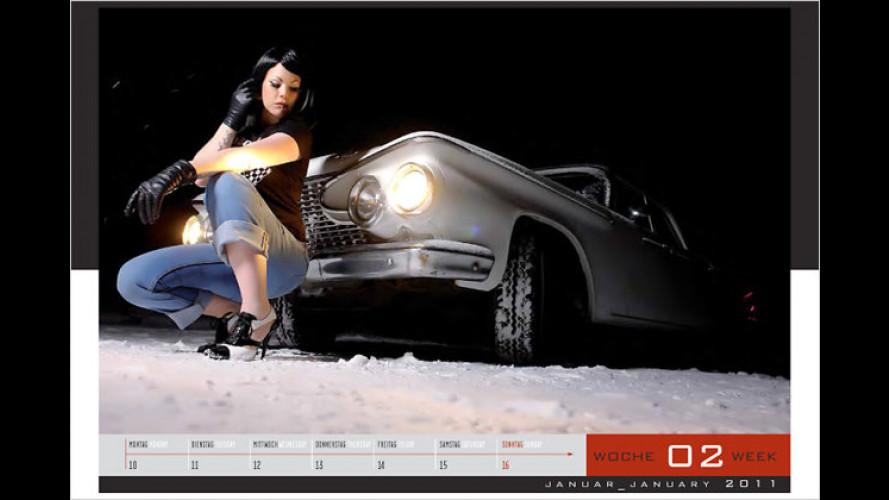 Neuer Kalender für 2011: Girls & legendary US-Cars